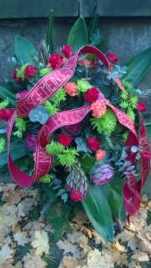 """Bei der Beerdigung auf dem Friedhof """"Cmentarz Rakowicki"""", ul. Rakowicka 26, in Krakauließ die Arbeitsgemeinschaft für ihren Ehrenvorsitzenden Tadeusz Sobolewicz einen Kranz niederlegen."""